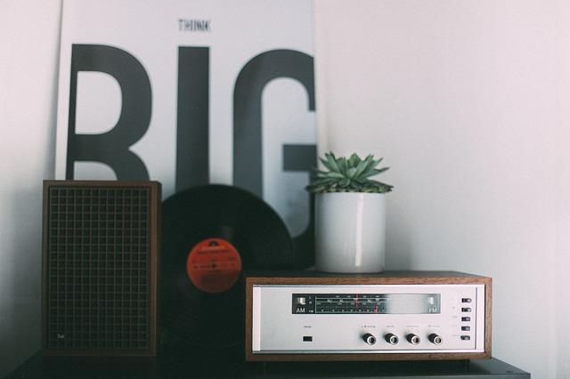 retro rádio jako zátiší