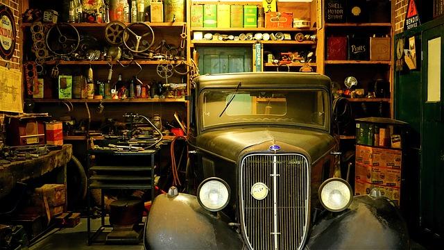auto v garáži.jpg