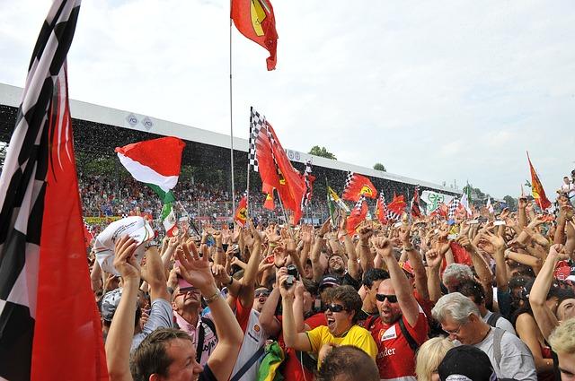 fanoušci závodů Ferarri