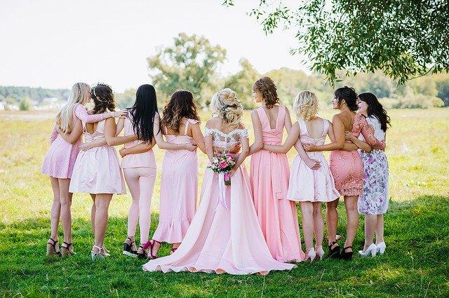svatební fotka zezadu